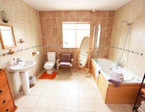 Self Catering Mallow Bathroom